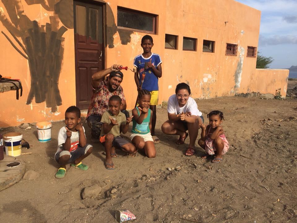 Os artistas cearenses Robézio Marqs e Tereza Dequinta levaram o Acidum Project para Cabo Verde.