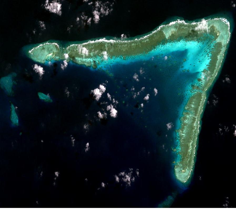 Bãi Đá Ba Đầu, cụm đảo Sinh Tồn.