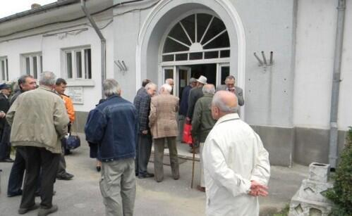 Các cựu tù nhân thời chế độ Cộng sản Rumani thường xuyên trở lại nơi bị giam cầm để làm chứng.