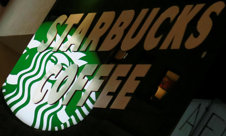 Открывая первую кофейню, создатели Starbucks ставили целью бороться со стандартизацией вкуса и приобщить американцев к настоящему кофе из зерен