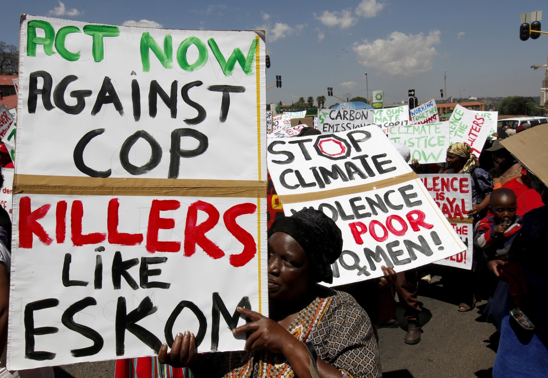 Manifestação contra  a conferência sobre o clima em Durban.