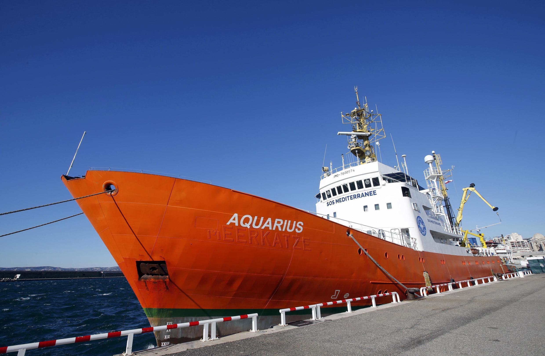 Le navire d'assistance aux réfugiés «Aquarius», dans le port de Marseille, le 19 février 2016.