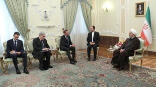 """""""امانوئل بن""""، مشاور سیاسی رئیس جمهوری فرانسه، در سفر دو روزهاش به تهران با حسن روحانی رئیس جمهوری اسلامی ایران دیدار و گفتگو کرد. چهارشنبه ١٠ ژوئیه ٢٠۱٩"""