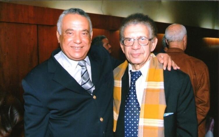 Саид Амара (справа) и президент региональной футбольной лиги Аннабы Ахмед Мебрек