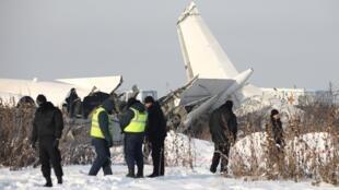Самолет Fokker-100 следовал рейсом Z92100 из Алматы в Нур-Султан