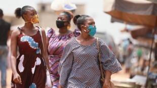 Au marché d'Adidogomé Assiyeye à Lomé, le 17 avril 2020.