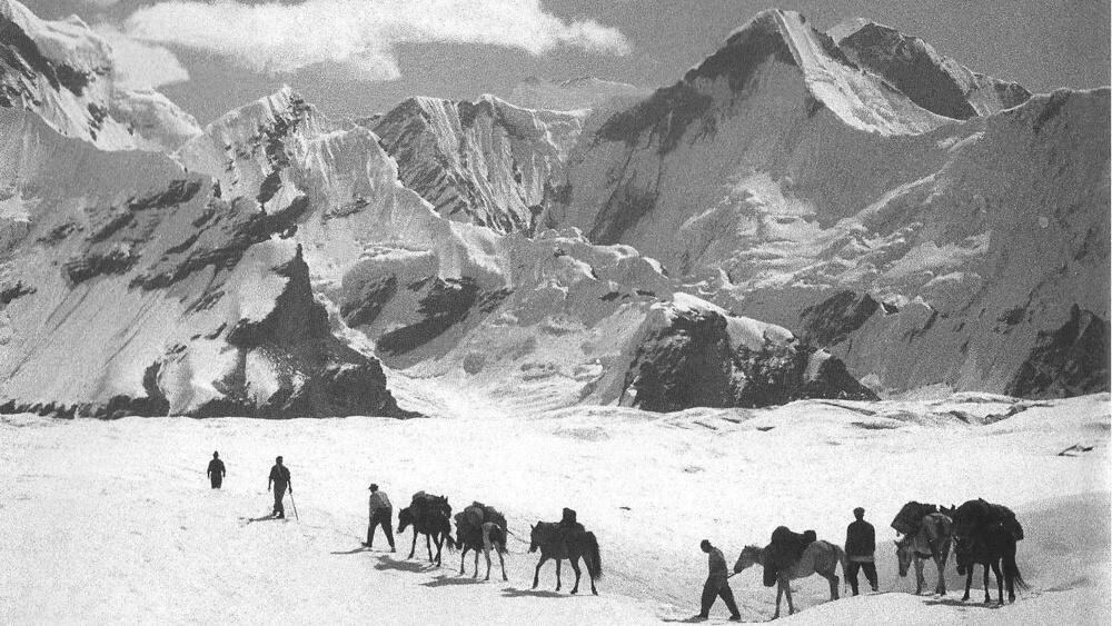 Expédition à l'assaut du Khan Tengri dans le Pamir en 1936.