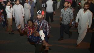 Watu 72, ikiwa ni pamoja na watoto 29, wameuawa Jumapili jioni 27 katika shambulio la kujitoa mhanga katika bustan la mjini Lahore, Pakistan.