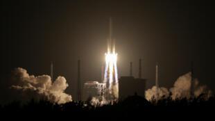 2016年11月3日,長征5號火箭在海南島文昌發射。