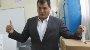 O presidente do Equador, Rafael Correa, foi reeleito neste domingo, 17 de fevereiro de 2013.