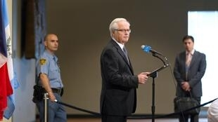 Viktor Churkin representante de Rusia ante Naciones Unidas en su encuentro con la prensa