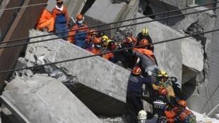 图为台湾地震救灾现场