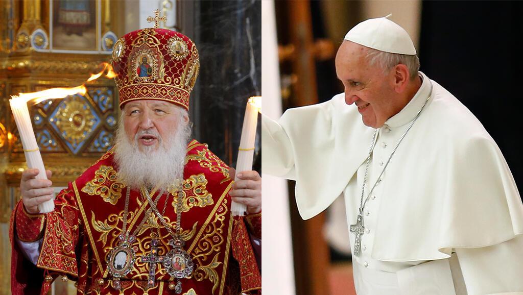 پاپ فرانسیس، رهبر کاتولیک ها و پاتریارک کیریل، رهبر ارتدکس های روسیه در فرودگاه هاوانا.