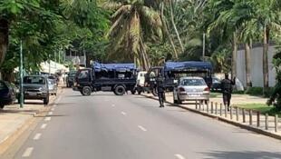 Polícia da Costa do Marfim bloqueia a entrada da residência de Henri Konan Bédieé