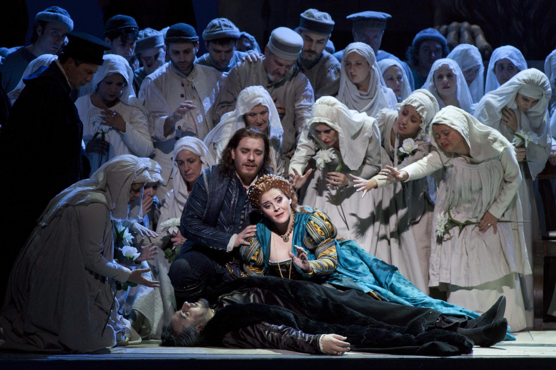 """Cena de """"Simon Boccanegra"""", em cartaz na Ópera de Roma."""