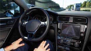 """Le prototype de voiture autonome de Valeo """"Cruise4U""""/"""
