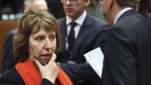 Кэтрин Эштон на чрезвычайном совещании по Украине глав МИДов Евросоюза. Брюссель 20/02/2014