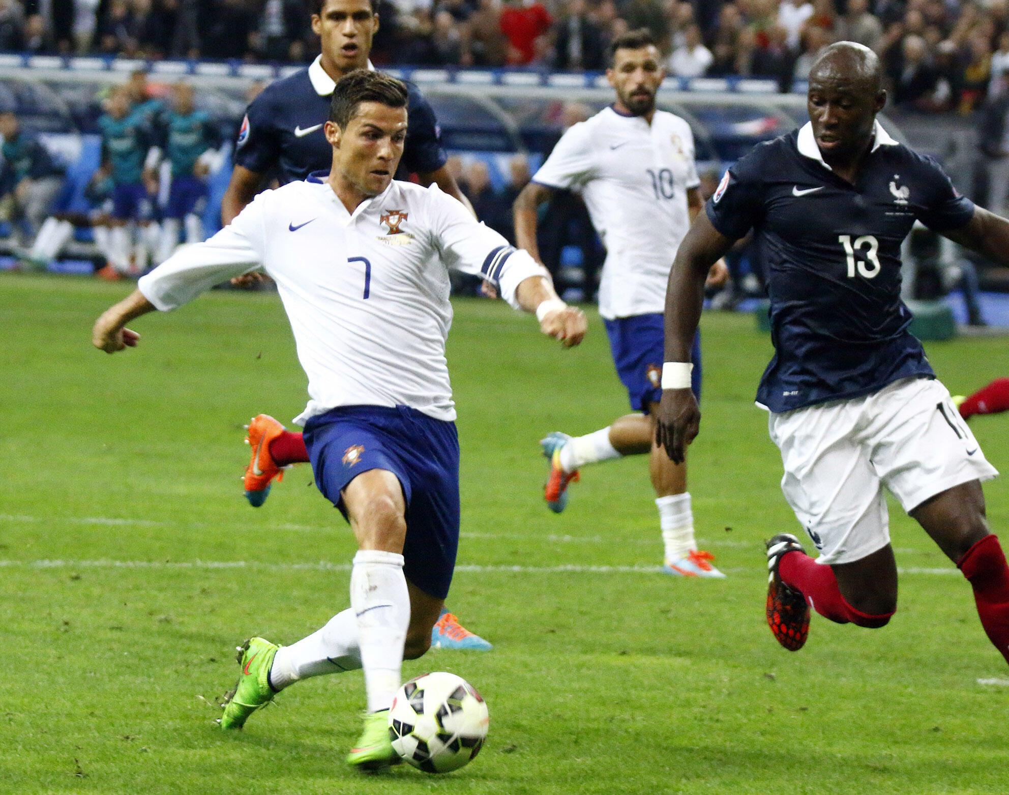 Cristiano Ronaldo n'a pas trouvé la faille face à l'équipe de France et Eliaquim Mangala.