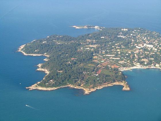 Мыс Антиб на Лазурном берегу Франции, где расположена вилла Бориса Березовского.