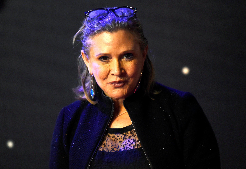 """Carrie Fisher na avant-première de """"Guerra nas Estrelas 7, o despertar da Força""""."""