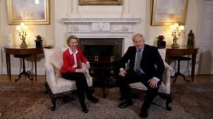 Le Premier ministre britannique a reçu la présidente de la Commission européenne Ursula von der Leyen le 8 janvier 2020 à Londres pour poser les jalons des discussions marathon qui s'annoncent.