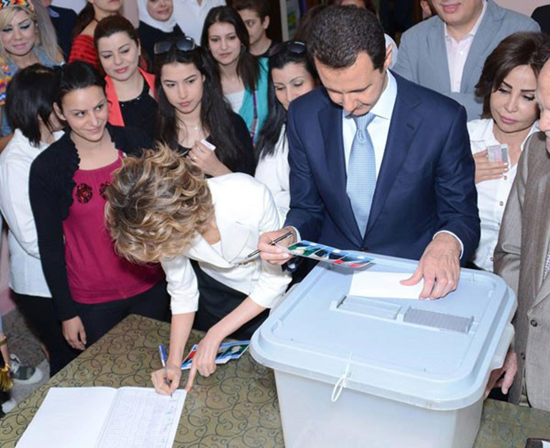 O presidente sírio, Bashar al-Assad, vota em Damasco, nesta terça-feira, 3 de junho de 2014.