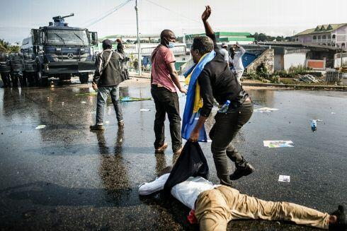 Confrontos pós-eleitorais no Gabão.