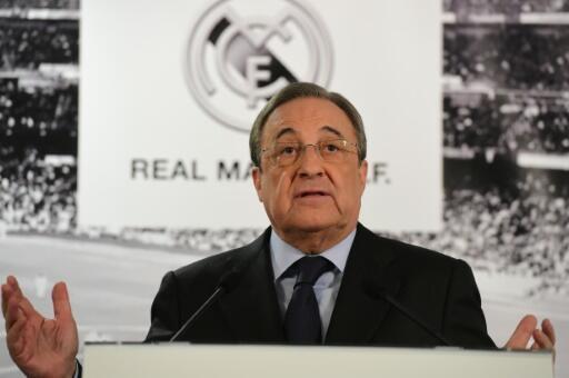 Florentino Perez en conférence de presse au stade Santiago Bernabeu à Madrid, le 23 novembre 2015