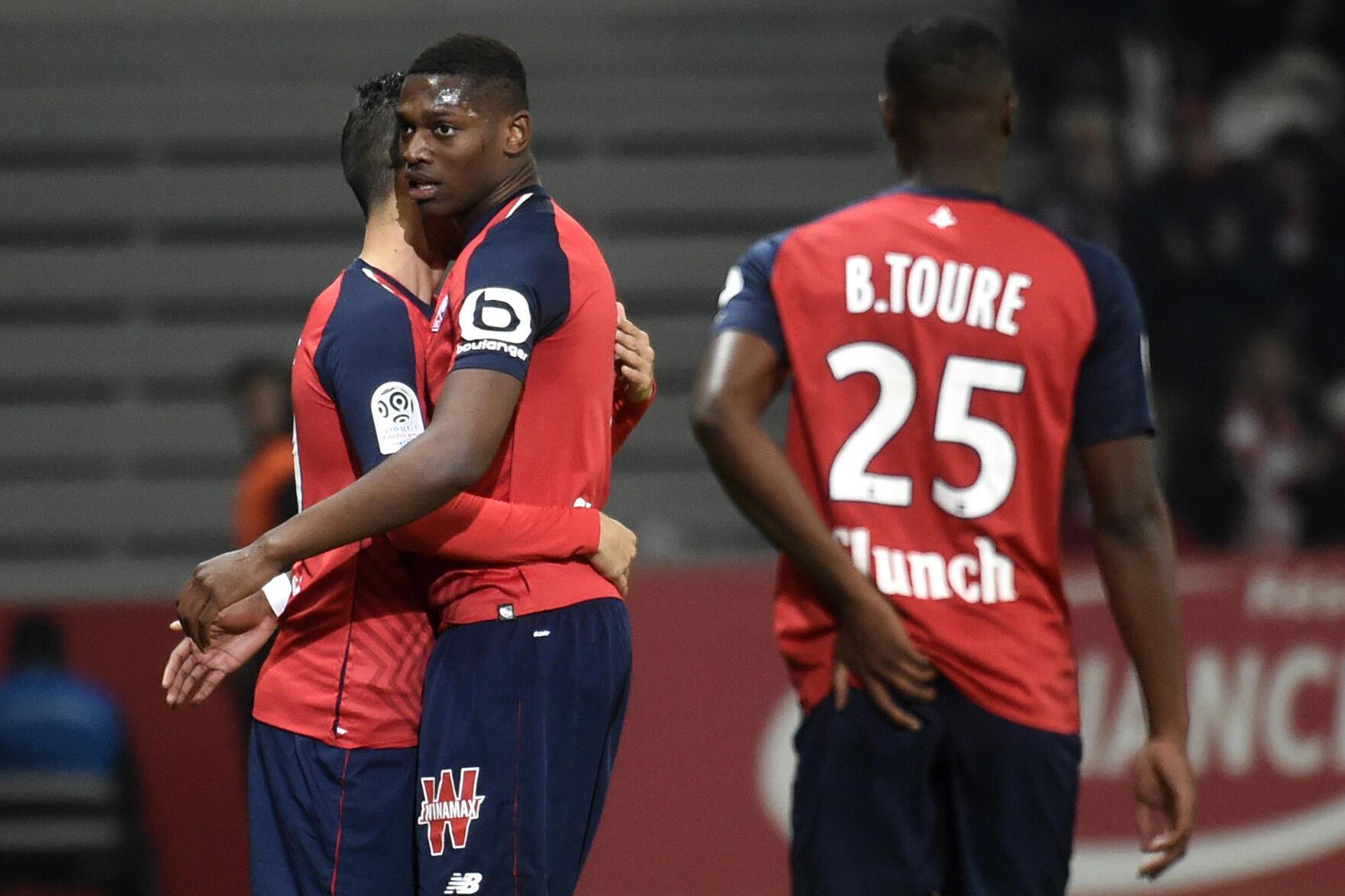 O avançado luso-angolano Rafael Leão (centro) apontou o seu primeiro golo com o Lille frente ao Caen.