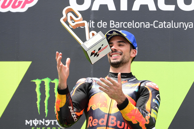 O piloto português Miguel Oliveira (KTM) venceu o Grande Prémio da Catalunha, em Espanha, de MotoGP.
