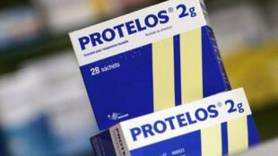 Le Protelos est utilisé après la ménopause pour réduire le risque de fractures osseuses.