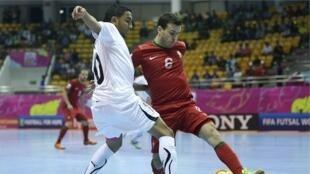Lusos ganharam por 5-1 aos líbios no primeiro encontro do Campeonato do Mundo de Futsal 01/11/12