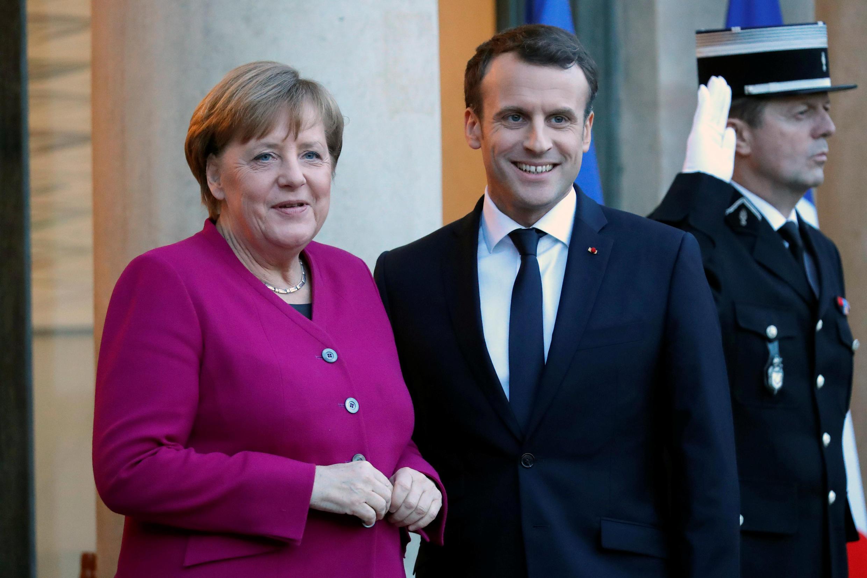 La chancelière allemande Angela Merkel et le président français Emmanuel Macron (ici le 19 janvier 2018 à l'Elysée) doivent intervenir ce mercredi à Davos.