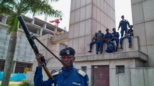 Important déploiement policier à la gare centrale de Gombe, Kinshasa, le 19 décembre.