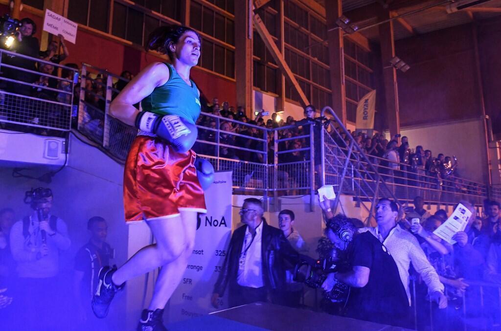 ورود صدف خادم به سالن: بیش از هزار نفر تماشاگر این مسابقه بودند