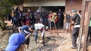 Paraguay: des ossements ont été trouvés dans une résidence d'une propriété ayant appartenu à l'ex-dictateur Alfredo Stroessner début septembre. Des restes de disparu de la dictature militaire ? Une enquête est en cours.