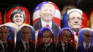 俄羅斯總統普京和美國總統特朗普的畫像被印在俄羅斯套娃上