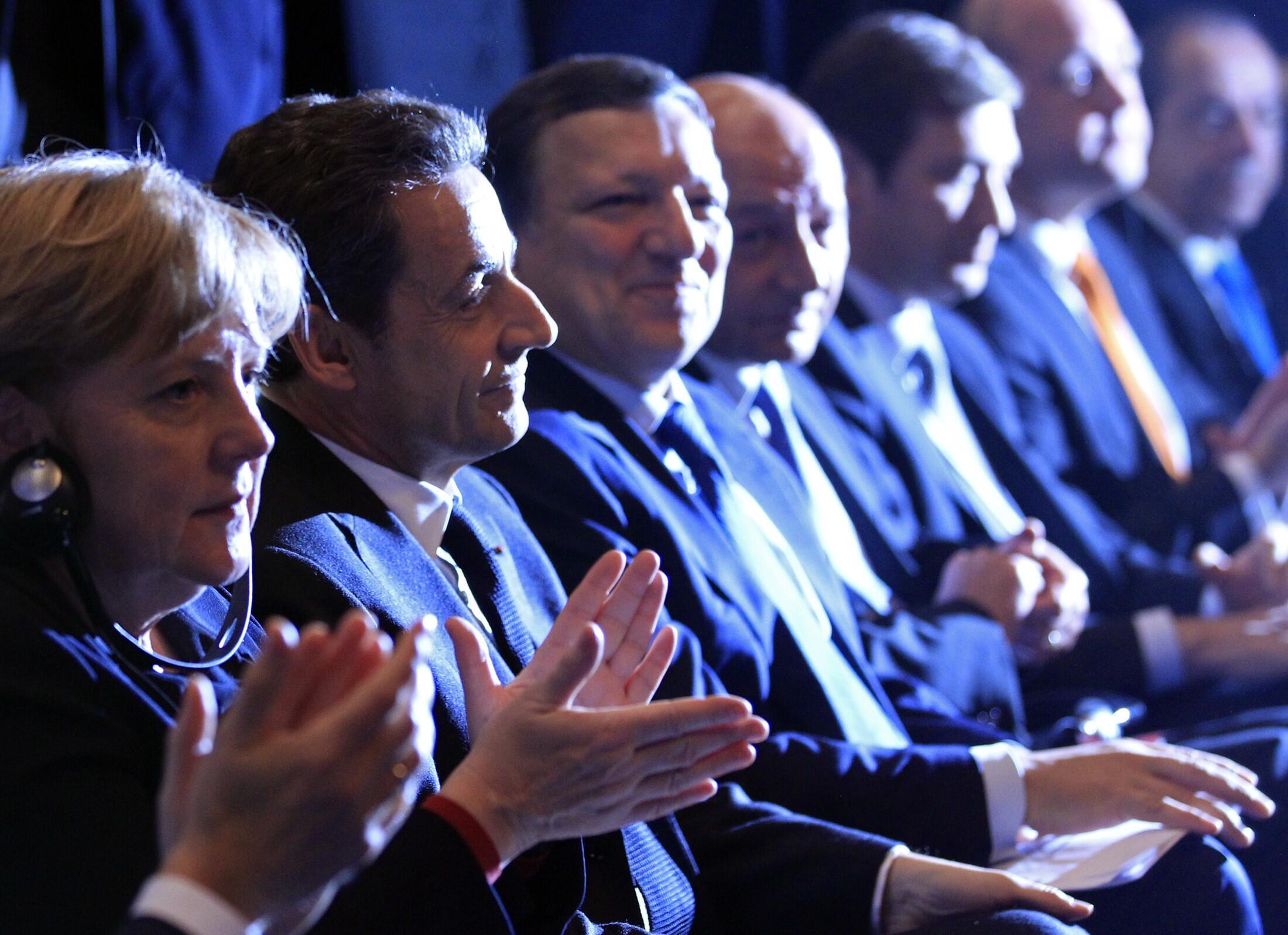 Участники саммита ЕС в Брюсселе 9 декабря 2011