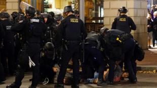Задержание участников митинга в Портленде