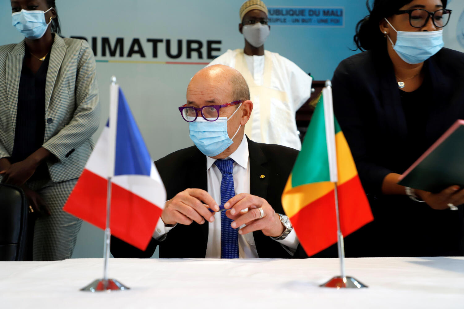 Jean-Yves Le Drian in Bamako. It is the French foreign minister's 1st visit to the country following a coup d'État on 18 August.