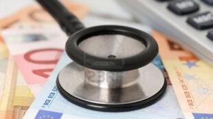 Fracia: según un informe, el fraude social representaría  20.000 millones de euros, o sea el 10% del presupuesto de la Seguridad Social.