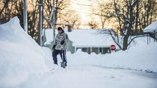 Selon le maire de Buffalo, près de 32 000 tonnes de neige ont déjà été évacuées.