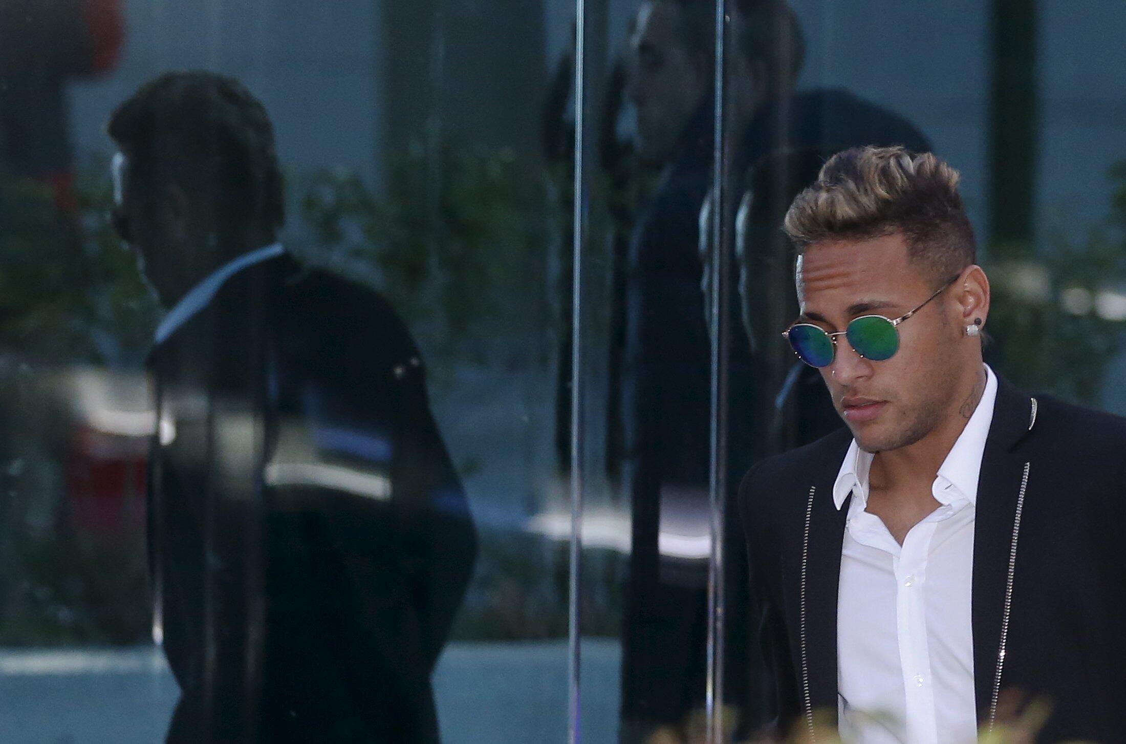 Mshambuliaji wa FC Barcelona, Neymar da Silva Santos Júnior, anayekabiliwa na mashtaka ya ukwepaji kodi nchini Brazil na Uhispania
