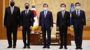 韩国总统文在寅与韩美外长防长资料图片