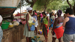 A paridade entre homens e mulheres é tema de debate na cidade da Praia, em Cabo Verde (imagem de ilustração).