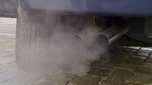 Les eurodéputés jugent nécessaire de fixer des objectifs à moyen terme à propos des émissions de CO2.
