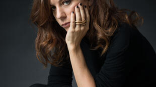 Portrait de Sarah Chiche, à l'occasion de la sortie de son roman «Les enténébrés», aux éditions du Seuil.