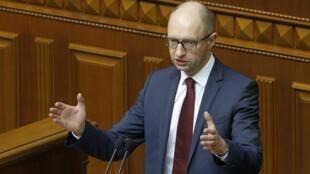 Премьер-министр Украины Арсений Яценюк в Верховной Раде 17/06/2014
