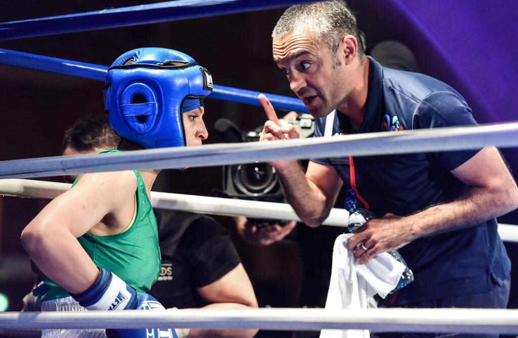 مهیار منشی پور قهرمان جهان بوکس، مربی گری صدف خادم را به عهده داشت