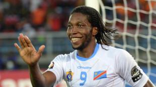 De grandes stars du football africain, tel que le Congolais Dieumerci Mbokani ont fait leurs premiers pas dans les établissements scolaires.